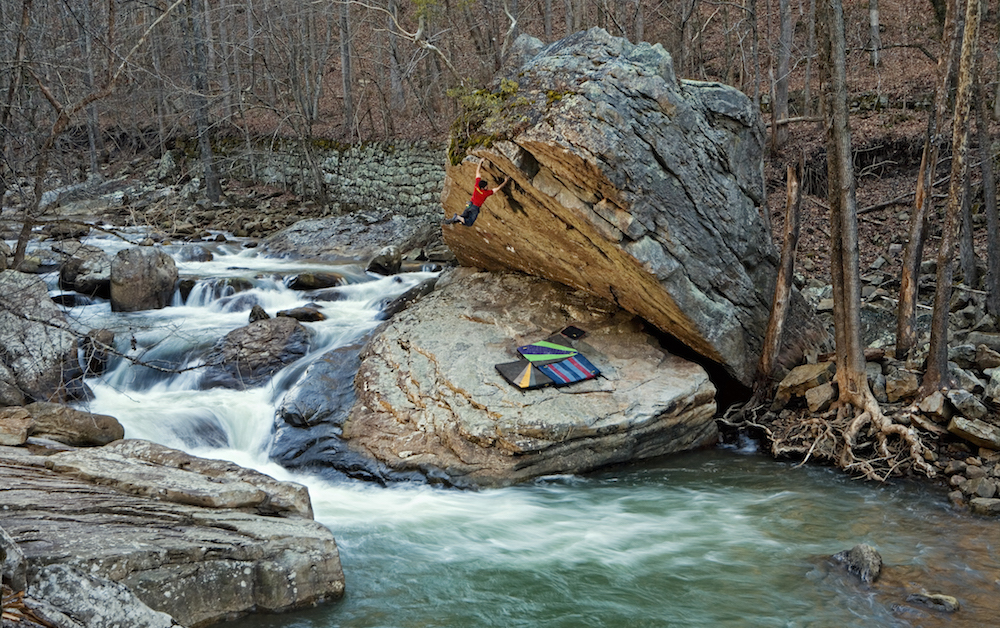 Bouldering at Dayton outside of Chattanooga, Tennessee